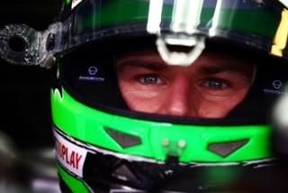 F1-2016-Nico-HULKENBERG-signe-chez-RENAULT-le-14-octobre.