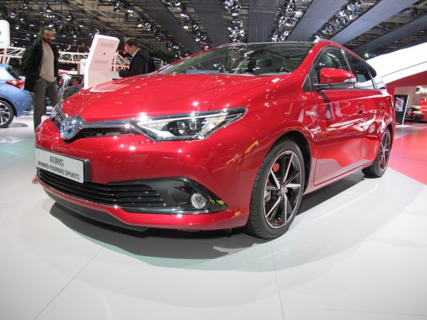 TOYOTA AURIS HYBRID TOUTING SPORT image © Jacques SamAlens (StrategiesAutoMotiove Communications)