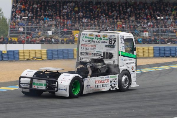 LE-MANS-24-H-Camions-2016-Le-Finlandais-JOHN-HEMMING-Photo-Thierry-COULIBALY.