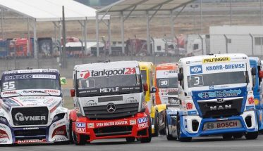 le-mans-24-h-camions-chaud-bouillant-les-departs-entre-kiss-lacko-et-halm-photo-thierry-coulibaly