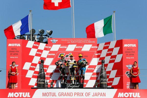 MOTO-2-2016-GP-JAPON-MOTEGI-Le-podium-avec-LUTHI-1er-ZARCO-second-et-MORBIDELLI-3éme-