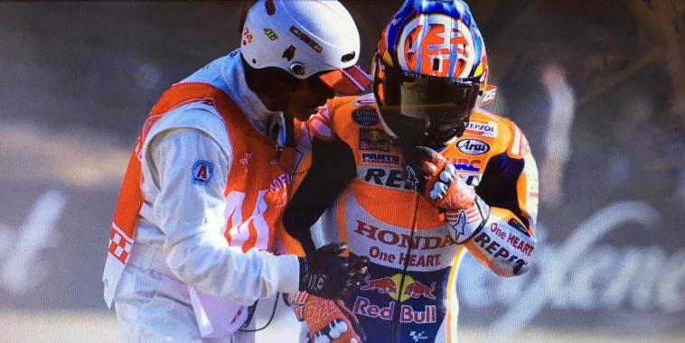 moto-gp-2016-motegi-dani-pedrosa-apres-sa-chute-lors-de-la-seconde-seance-des-essais-libres-vendredi-14-octobre
