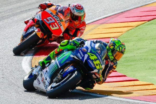 MOTO-GP-2016-MOTEGI-Valentino-ROSSI-et-Marc-MARQUEZ