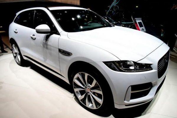 Mondial-2016-Jaguar-aussi-se-transforme-avec-la-F-Pace-Photo-Daniel-Nauly.