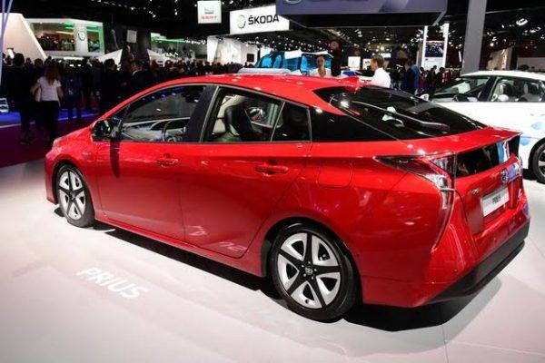 Mondial-2016-La-Toyota-Prius-existe-en-plugin-hybride-Photo-Daniel-Nauly.j
