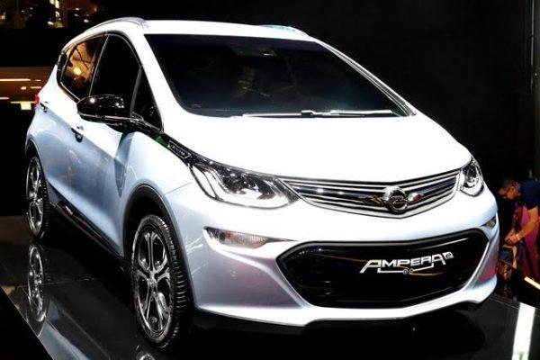 Mondial-2016-Opel-Ampera-e-nouvelle-version-promet-500-km-dautonomie-Photo-Daniel-Nauly.