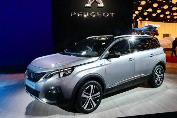 Mondial-2016-Peugeot-a-ralongé-son-SUV-3008-pour-en-faire-un-5008-SUV-avec-3-rangées-de-sièges-Photo-Daniel-Nauly