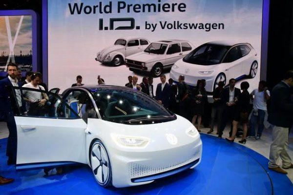 Mondial-2016-il-faut-voir-en-lID-la-future-Golf-électrique-de-VW-Photo-Daniel-Nauly.