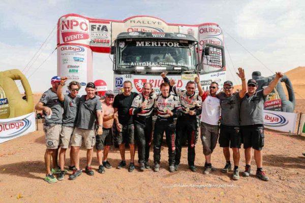 rallye-oilybia-du-maroc-2016-victoire-finale-a-erfoud-en-camion-pour-lequipe-renault-de-huzink