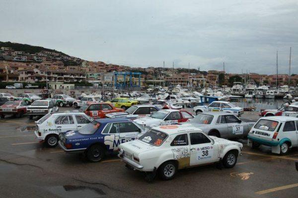 Sardaigne-Historic-2016-Les-concurrents-avant-le-départ-à-PALLAU.