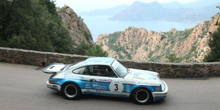 TOUR de CORSE HISTORIQUE 2016- La PORSCHE 911 CARReRA RS de Romain DUMAS et Denis GIRAUDET dans les Calanches de PIANA au dessus de PORTO.j
