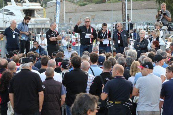 TOUR-de-CORSE-HISTORIQUE-2016-Le-briefing-de-JOSE-ANDREANI-mardi-a-PORTO-VECCHIO