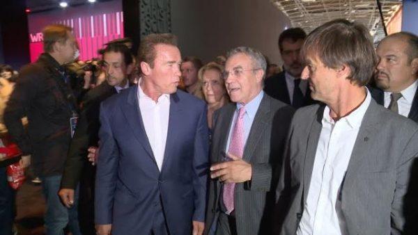 Visite officielle 2014: entouré de Arnold Schwarzenegger & Nicolas Hilot... Thierry Hesse mon salon est bien plus grand que celui de Los Angeles