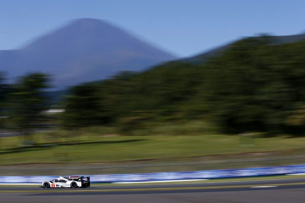 WEC 2016 FUJI - La PORSCHE 919 Hybrid N°2 de Romain DUMAS, Marc LIEB et Neel JANI.