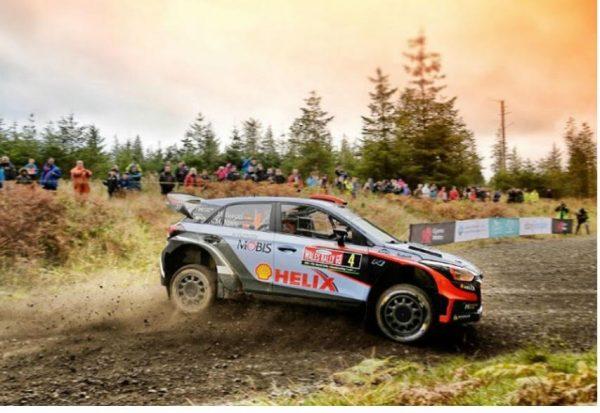 WRC-2016-WALES-RALLY-La-HYUNDAI-i-20-WRC-de-DANI-SORDO