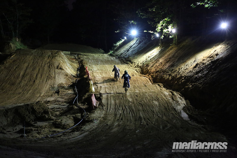 LE CIRCUIT DE MACHERY T RANSFORMÉ EN SUPERCROSS