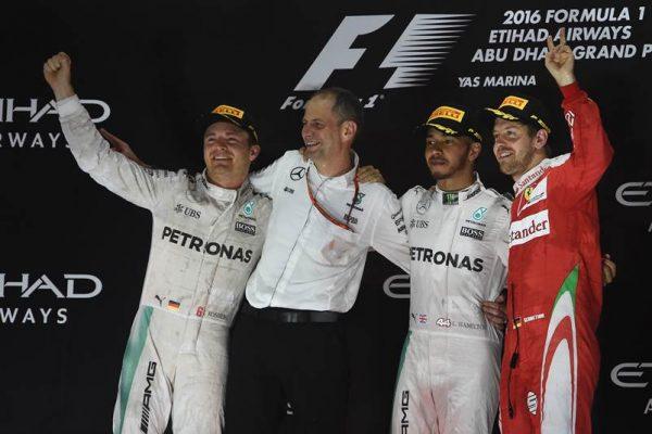 F1 2016 ABOU DHABI Le podium avec ROSBERG le nouveau CHAMPION du MONDE, HAMILTON le vainqueur du GP a YA MARINA et Seb VETTEL 3éme.