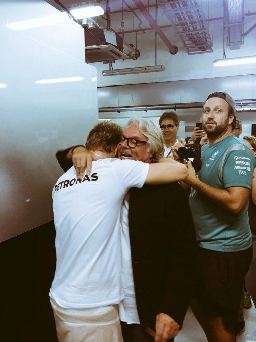 F1 2016 ABOU DHABI NICO et KEKE ROSBERG dans le stand MERCEDES