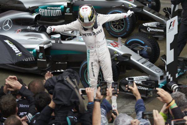 F1-2016-SAO-PAULO-LEWIS-HAMILTON-vainqueur-du-GP-du-BRESIL-le-13-novembre
