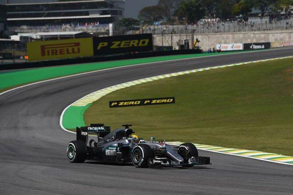 F1-2016-SAO-PAULO-La-MERCEDES-W07-de-LEWIS-HAMILTON : 50 éme pole en carrière!