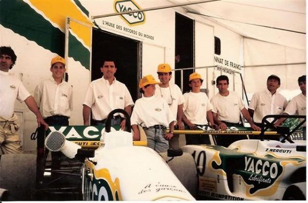 Léquipe-NERGUTI-dans-les-années-90.
