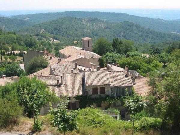 Nani-NERGUTI-Village-de-Montfuron.