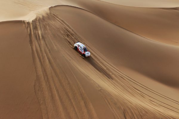 SILK-WAY-2016-Du-rêve-rie-ue-du-RÊVE-dans-les-dunes-en-Chine