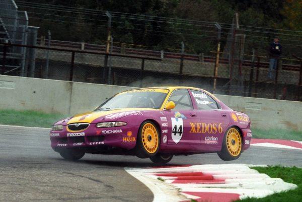 Slim-BORGUDD-Finale-FISA-2-L-à-Monza-en-1993-Mazda-Xedos-©-Manfred-GIET.j