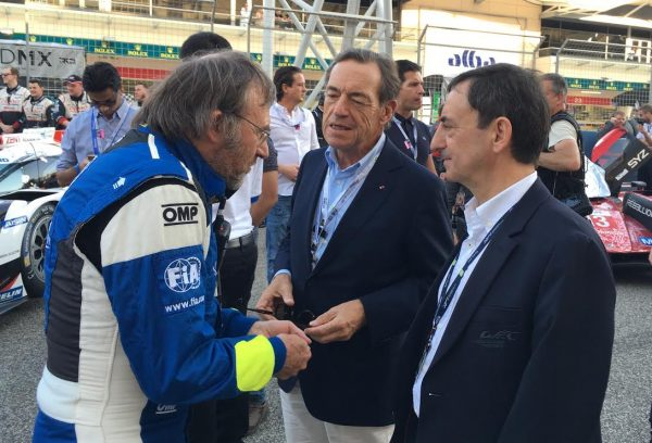 WEC-2016-BAHREIN-19-Novembre-Sir-LINDSAY-OWEN-JONES-et-Pierre-FILLON-avec-Denis-CHEVRIER-Ingénieur-de-la-FIA-Photo-Autonewsinfo