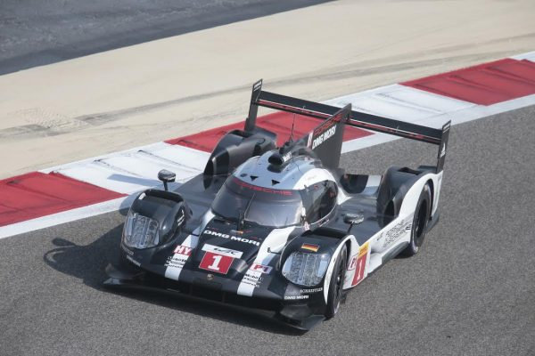 WEC-2016-BAHREIN-PORSCHE-N°-1-Photo-George-DECOSTER