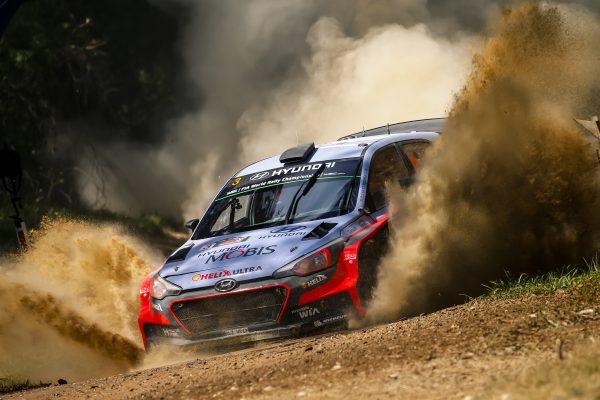 WRC 016 AUSTRALIE La HYUNDAI i20 WRC de Thierry NEUVILLE.j