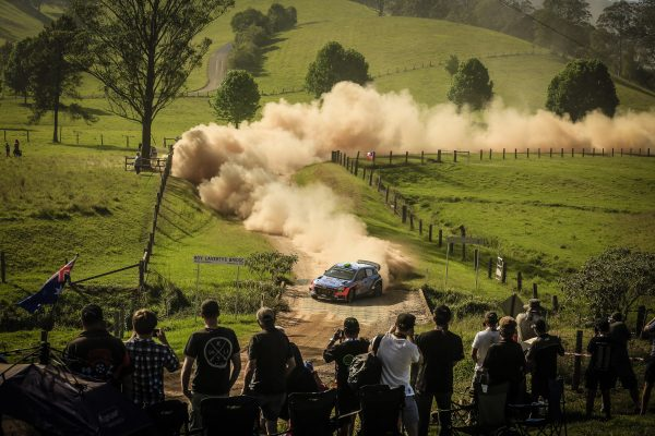 WRC-2016-AUSTRALIE-La-HYUNDAI-de-Hayden-PADDON.