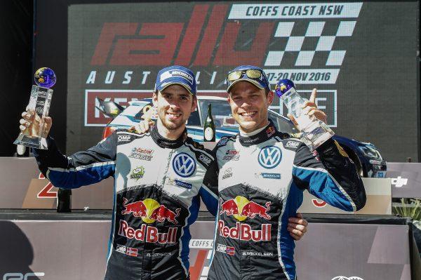 WRC-2016-AUTRALIE-MIKKELSEN-JAEGER-les-vainqueurs-Dimanche-20-Novembre.