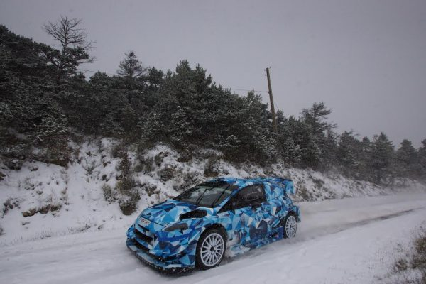 WRC-2016-Test-de-la-nouvelle-FORD-FIESTA-RS-dans-le-sud-est-de-la-FRANCE-Photo-Eric-DOBROWOLSKY-