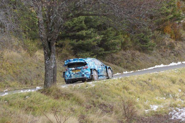 WRC-2017-Eric-CAMILLI-en-essai-avec-la-future-FORD-FIESTA-RS-