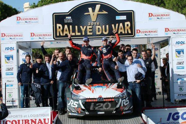 rallye-du-Var-2016-ABBRING-MARSCHALL-et-toute-léquipe-HYUNDAI-sur-le-podium-photo-Jean-François-THIRY