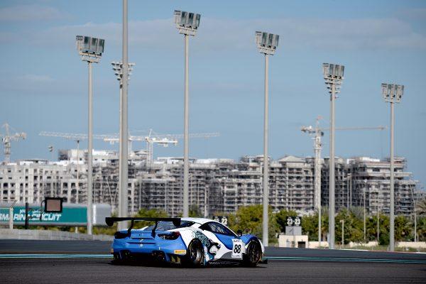12 HEURES ABOU DHABI 2016 LA FERRARI F488 du Team DRAGON.j