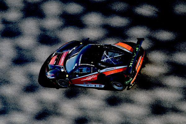 12 HEURES ABOU DHABI 2016 La FERRARI F488 GT3 de l'équipe KESSEKL Racing en pole