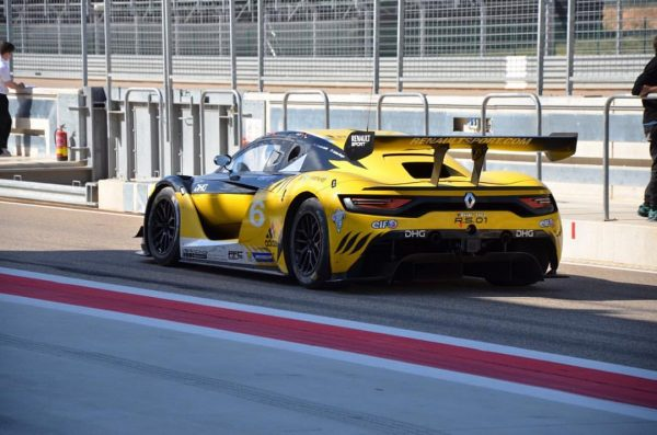 12 HEURES ABOU DHABI RENAULT RS01 Team GP EXTREME