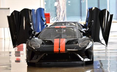La-première-Ford-GT-de-route-est-sortie-des-lignes-d'assemblage.