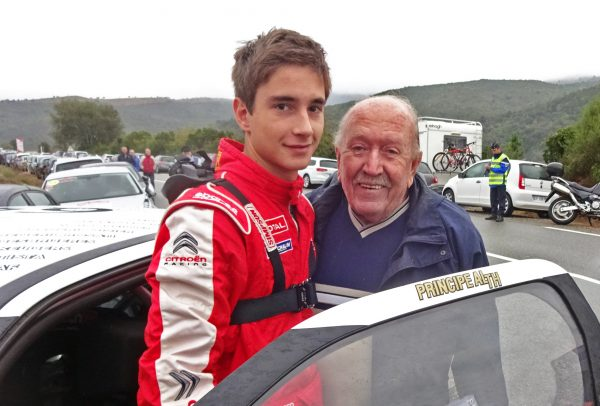 Pierre Louis LOUBET Tour de Corse 2015 avec son grand père, Robert Loubet, dit Moustache. photo JC. Lamorlette.