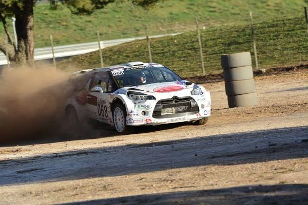 RALLYCIRCUIT-2016-PAUL-RICARD-La-DS3-de-Yvan-MULLER-et-de-Guy-LENEVEU-Photo-Nicolas-PALUDETTO.