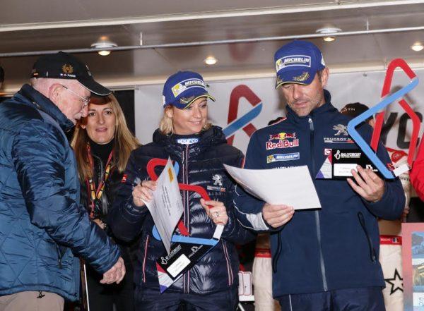Rallycircuit-2016-Paul-Ricard-les-vainqueurs-le-couple-LOEB-sur-le-podium-photo-Jean-François-THIRY