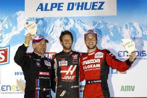 TROPHEE-ANDROS-2016-2017-ALPE-DHUEZ-Le-podium-de-la-secone-course-avec-GROSJEAN-victorieux-devant-DAYRAUT-et-TAMBAY-Photo-Bernard-BAKALIAN.
