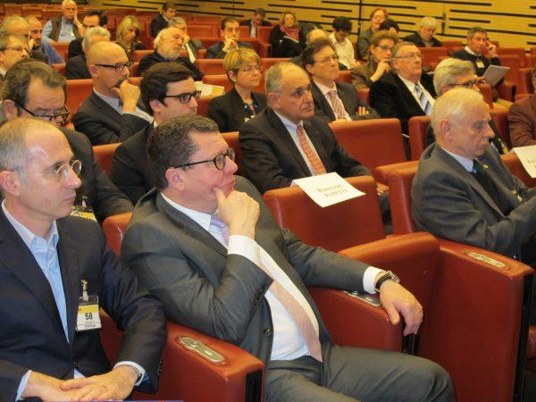 quelques visages célèbres... Jacques Bolle (Président de la FFM)... Franz Hummel (Patron des Grandes Heures Automobiles)