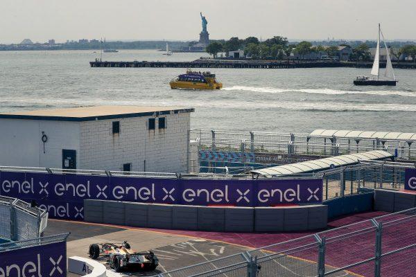 formule e le fran ais jean eric vergne sacr champion du monde a new york le 14 juillet. Black Bedroom Furniture Sets. Home Design Ideas