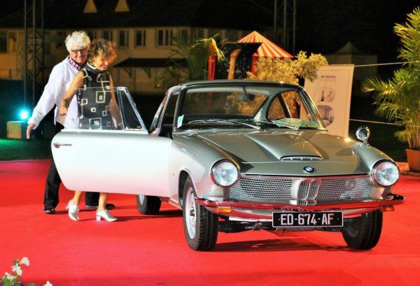 thumbnail_Concours d'élégance de LA BAULE - 1er dans la catégorie VACANCES A LA BAULE avec le prix du public cette BMW 1600GT de 1968 - Photo Emmanuel LEROUX