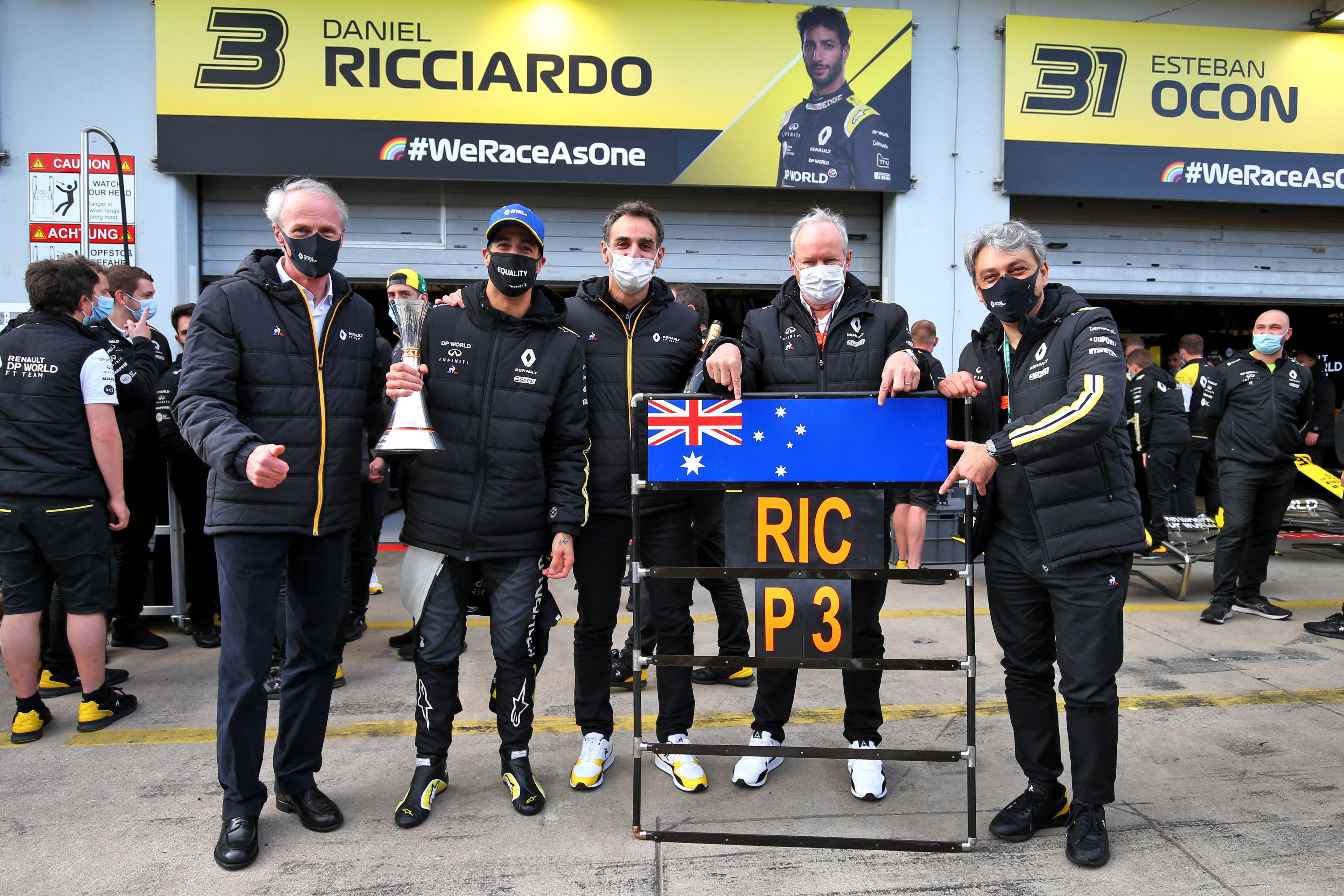 F1 2020 – DANIEL RICCIARDO HEUREUX de son 1er podium avec l'equipe RENAULT de Jérome STROOLL et Cyril ABITEBOUL